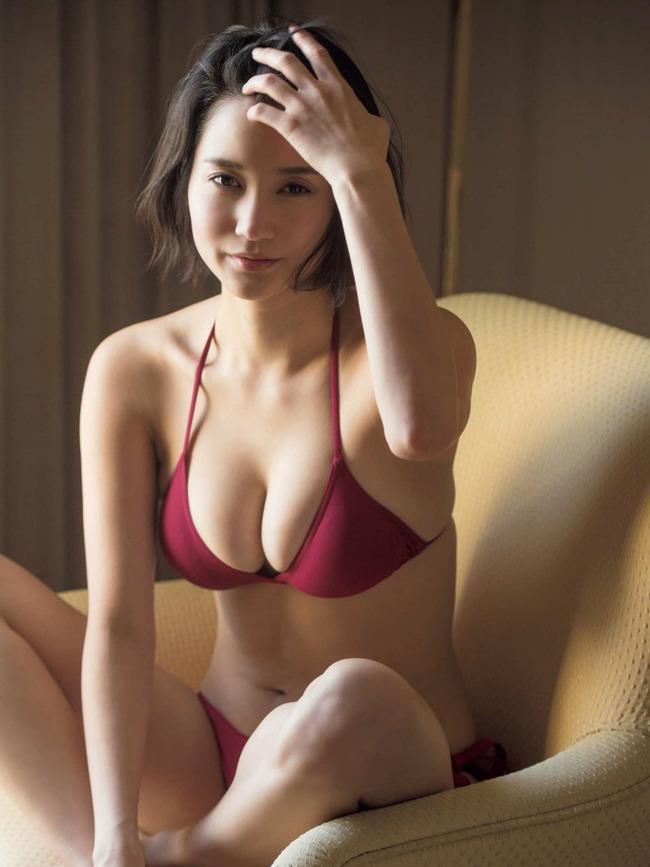 出口亜梨沙 巨乳 グラビア画像 (40)