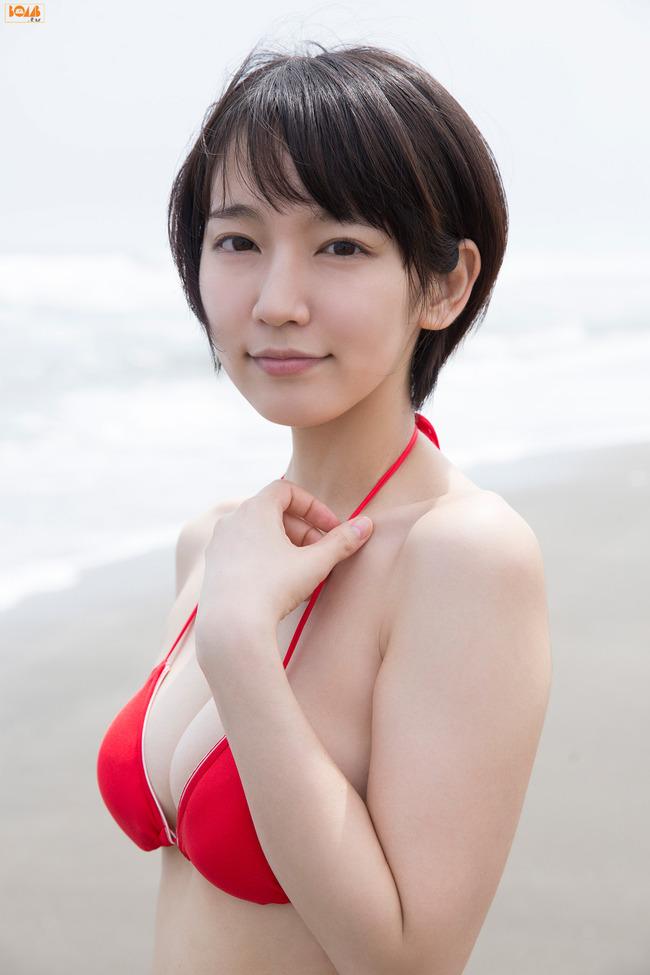 吉岡里帆 かわいい グラビア画像 (11)