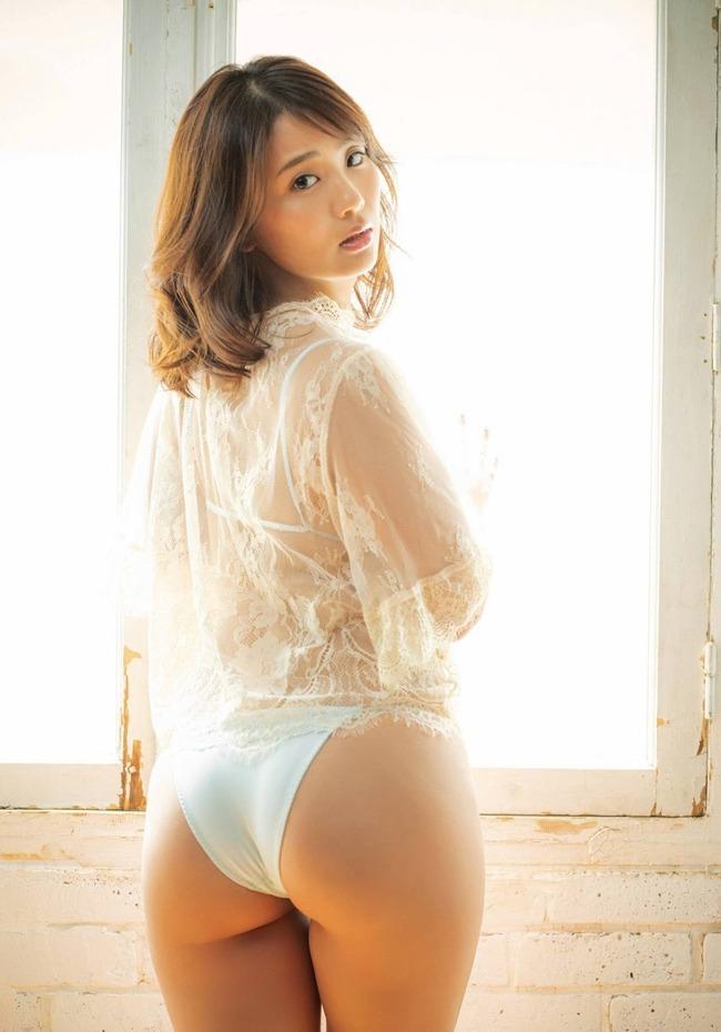 平嶋夏海 F乳 グラビア (26)