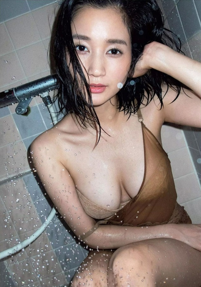 出口亜梨沙 Gカップ グラビア画像 (14)