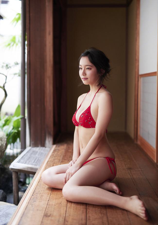 吉岡里帆 かわいい グラビア画像 (24)