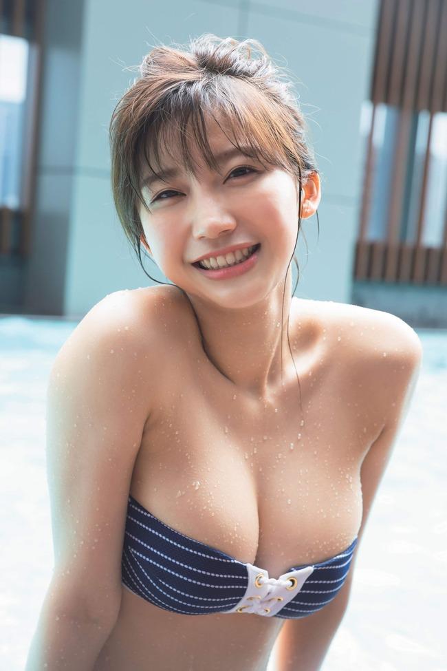 小倉優香 巨乳 グラビア画像 (1)