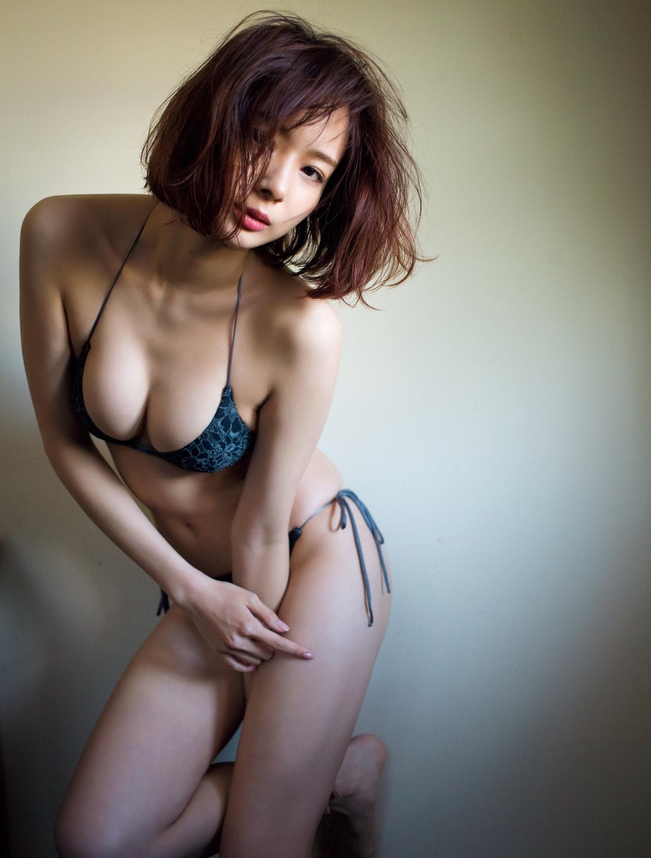 モデル岡田紗佳が脱ぐと有能過ぎるスタイルをしているぞ(*´▽`*)ww×45P 表紙