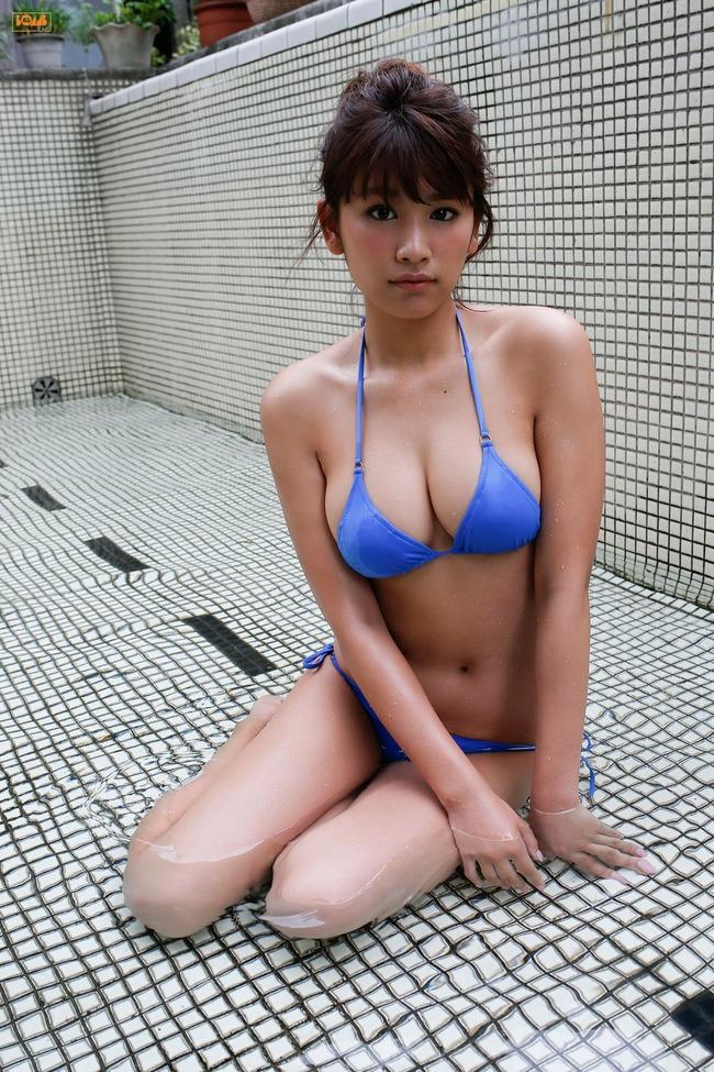 久松郁実 巨乳 グラビア画像 (7)