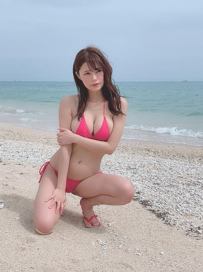 オシリス 巨乳 美人 (2)