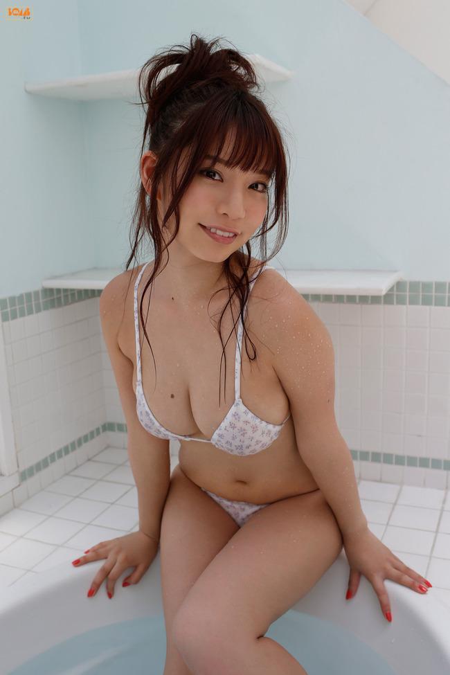 久松かおり Hカップ グラビア画像 (18)