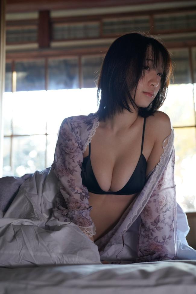 伊織もえ 虚乳 ニット (18)