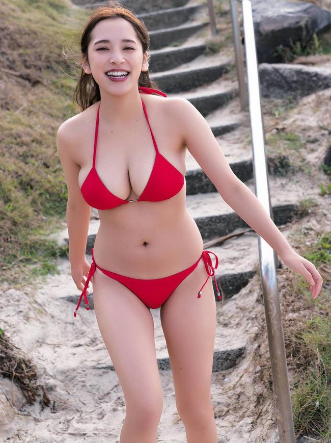 都丸紗也華 グラビア (27)