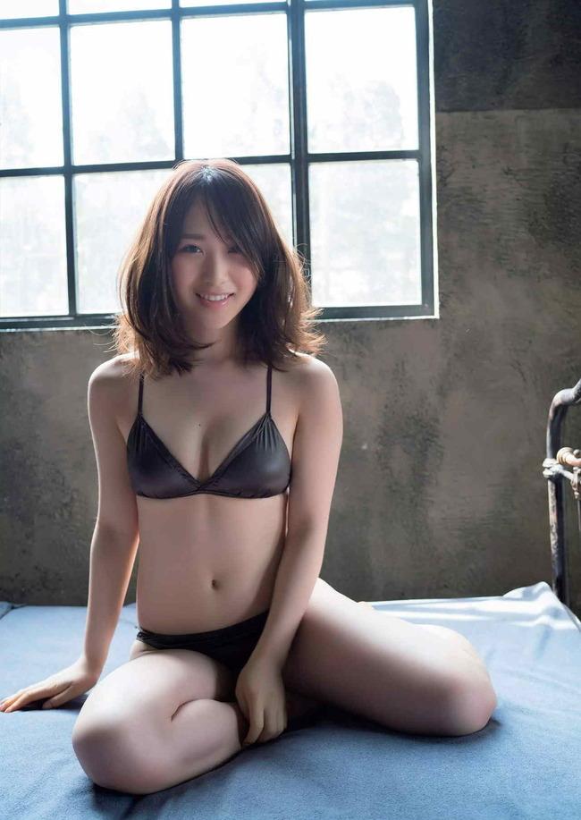 程よくムチッてる高橋朱里が結構良いカラダしてる(//∀//)モェ!!ww×32P