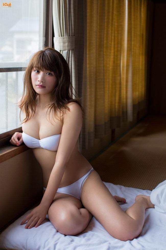久松郁実 巨乳 グラビア画像 (25)