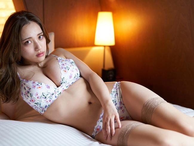 都丸紗也華 グラビア (4)