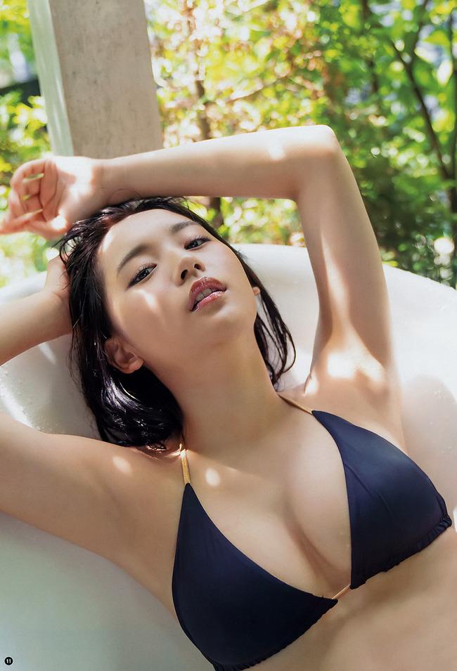 浅川梨奈 美乳 グラビア画像 (17)