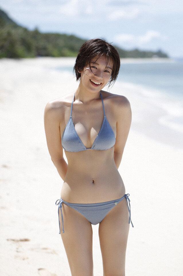 佐藤美希 巨乳 グラビア画像 (14)