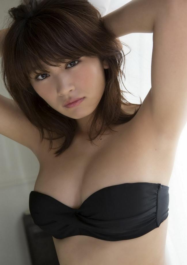 久松郁実 巨乳 グラビア画像 (19)