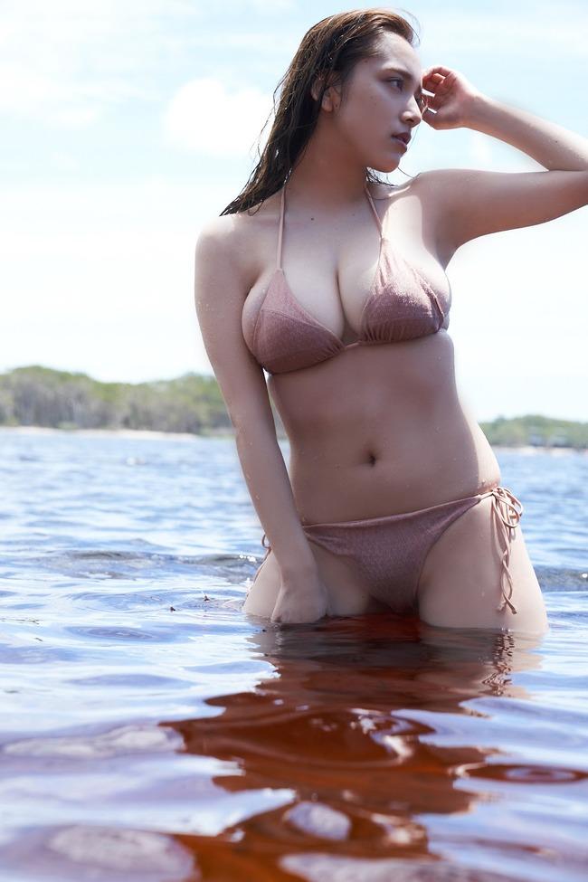 都丸紗也華 Fカップ グラビア画像 (6)