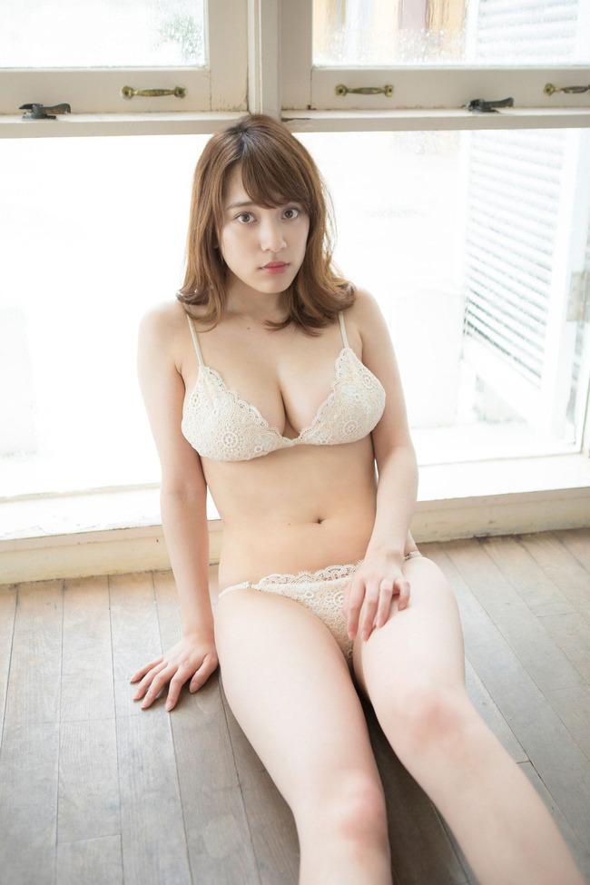 都丸紗也華 巨乳 グラビア画像 (12)