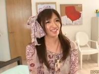 【咲田うらら】関西弁イントネーションで喘ぎまくる、長身美少女のスケベな裏側を15本番で徹底攻略!