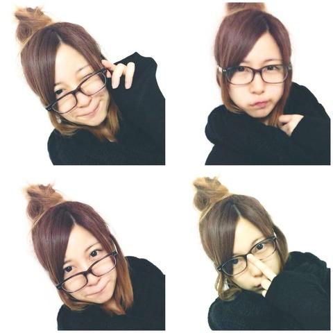 すっぴん眼鏡の小野恵令奈