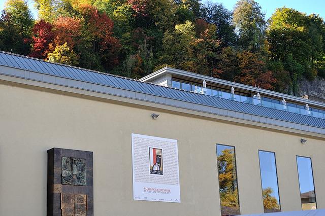 Felsenreitschule、岩窟乗馬学校