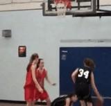 動画:バスケットボール -女子バスケで珍プレーが出た- [おもしろ]