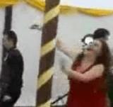 動画:結婚パーティーの悲劇 [衝撃]