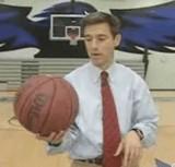 動画:アナウンサーがバスケットボールを無造作に投げたら [感動]