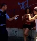 動画:ドッキリ -金を拾ってあげたら売春の現行犯- [おもしろ]