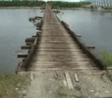 動画:自動車 -かなり危険な橋- [おもしろ]