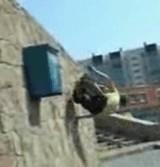 動画:壁を使った回転に成功したぜ・・・? [爆笑]