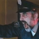 動画:最初に指示を出した警察官の正体 [おもしろ]