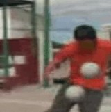 動画:サッカー -ストリートサッカー- [おもしろ]