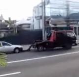 動画:自動車 -素早いレッカー移動- [おもしろ]