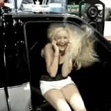 動画:自動車 -あまりの爆音・振動で髪が踊る- [感動]