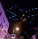 動画:テトリスになりきったスケートボーダーのネオンアート [感動]