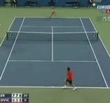 動画:テニス -股打ちショット- [神]