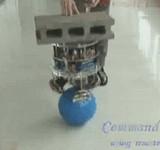 動画:ボールに装着させてバランスを取る機械 [感動]