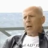 動画:ブルース・ウィリス -波を被る- [お宝]