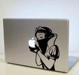 リンゴマークをうまく利用したMacBookのドレスアップステッカー画像