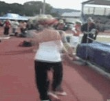 GIF:走り高跳びにチャレンジする女性の雄姿をみよ! [爆笑]