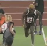 動画:ランナーと選手が衝突する映像 [衝撃]