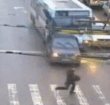 動画:横断歩道危機一髪 [衝撃]