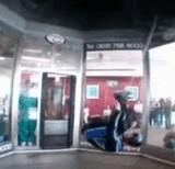 動画:室内スカイダイビング [おもしろ]
