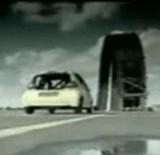 動画:自動車 -一回転走行- [神]