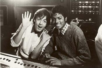 Paul McCartney&Michael Jacksonが最強タッグ!「Say Say Say」MV(1983)