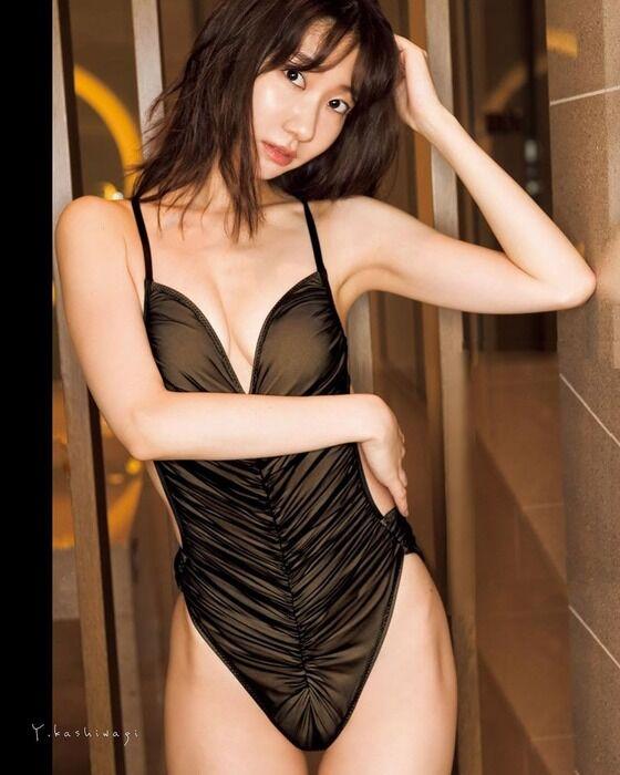 【閲覧注意】柏木由紀(30)えっちなランジェリー姿を披露