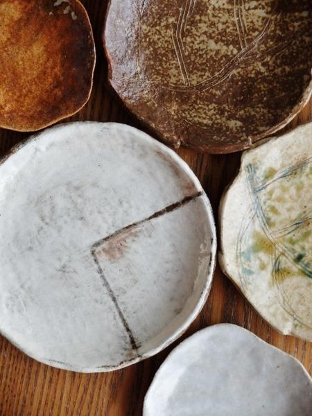 草野陶房現の証拠のお皿たち
