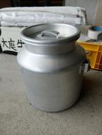 矢澤先生お気に入りのアルミの缶