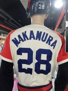 近鉄バッファローズのユニフォームは中村良二選手でした。