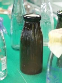 戦時中の牛乳ビン