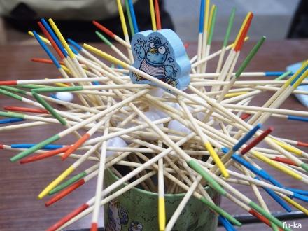 カッコウの巣作り